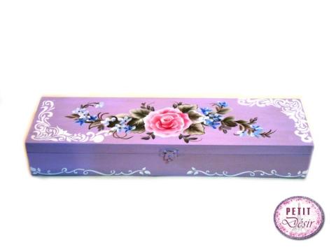 Κουτί μακρόστενο με ζωγραφισμένο τριαντάφυλλο