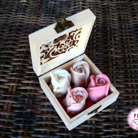 BOITE-CARRE-4-ROSES