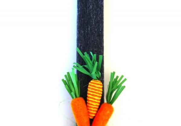 Λαμπάδα με καρότα και αυγό ασπρόμαυρο